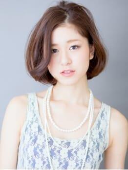 EPIC HAIR提供画像。パーティーファッションの女性