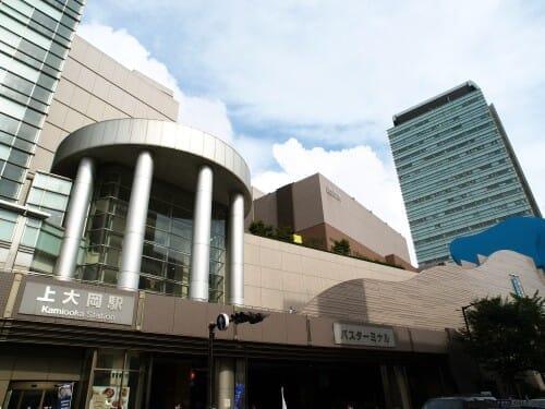 上大岡駅前の入り口